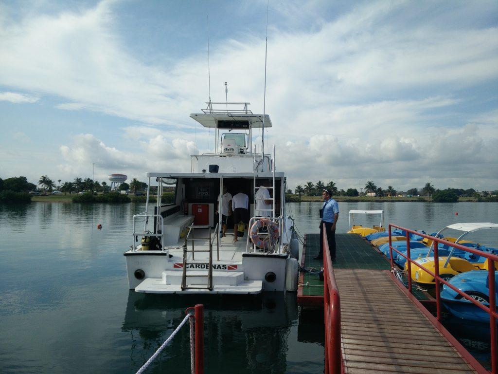 Barracuda dive boat