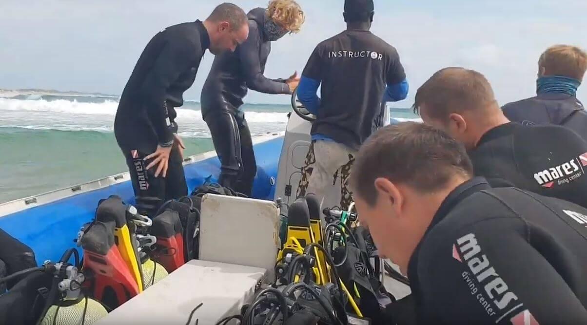 VLOG:  Scuba Diving in Tofo – Mozambique